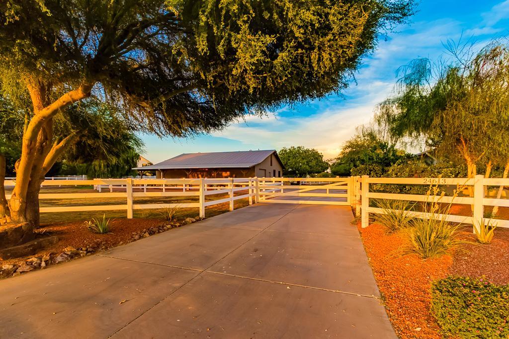 6 Car Garage Homes For Sale In Queen Creek Az 85142